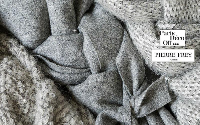 Pierre Frey Tissu d'ameublement Tissus d'ameublement Tissus Rideaux Passementerie  |
