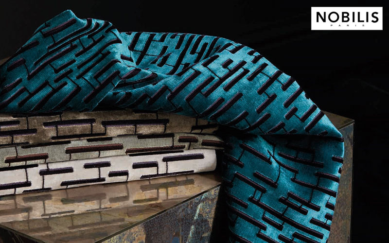 tissus rideaux passementerie decofinder. Black Bedroom Furniture Sets. Home Design Ideas