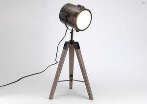 Kervroedan Jean Claude - lampe spot sur trépied en bois et métal 28x32x65,5 - Lampe À Poser