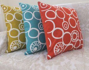 ITI  - Indian Textile Innovation - circles - Coussin Carr�