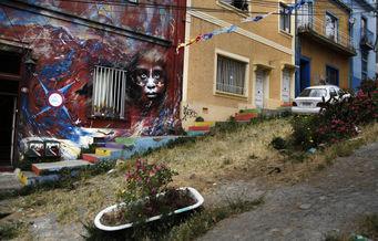 AXELLE DE RUSSÉ - -valparaiso arty - Photographie