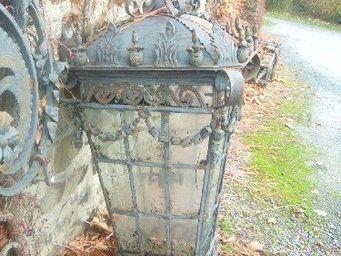 antiquites materiaux anciens deco de jardins - 2 gigantesques lanternes en fer forg� et fonte - Lanterne D'ext�rieur