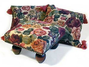 Margot Steel Designs - square and rectangular cushions and footstools - Coussin Carré