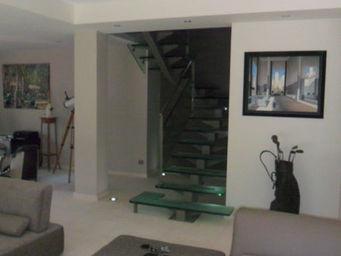 TRESCALINI - manhattan: escalier en acier, inox et verre d�poli - Escalier � Limon Central