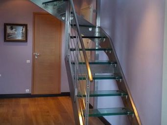 TRESCALINI - elite : escalier demi tournant inox et verre - Escalier Suspendu
