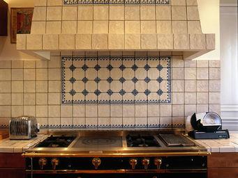 FAUVEL- NORMANDY CERAMICS - bordures piques bleu - Carrelage Terre Cuite �maill�e