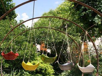 Les Poteries Clair de Terre - elfes - Jardini�re Suspendue