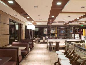 Hurst Stores & Interiors -  - Banquette De Restaurant