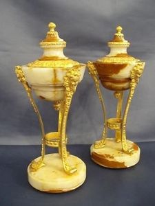 Jacque's Antiques -  - Paire De Cassolettes