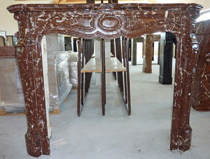 LES MEMOIRES D' ADRIEN - cheminée en marbre pompadour - Manteau De Cheminée
