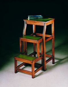 Arthur Brett & Sons - mahogany folding library steps - Escabeau De Biblioth�que