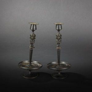 Expertissim - paire de flambeaux en bronze à l'égyptienne - Flambeau
