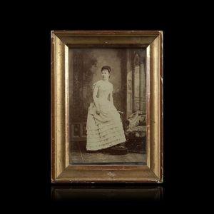 Expertissim - portrait de la baronne de navacelle. photographie  - Photographie