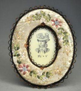Demeure et Jardin - cadre ovale à fleurs panne de velours - Cadre
