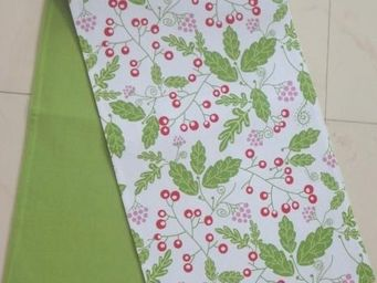 ITI  - Indian Textile Innovation - leafs & cherry - Chemin De Table