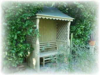 Grandad's Garden -  - Banc Couvert