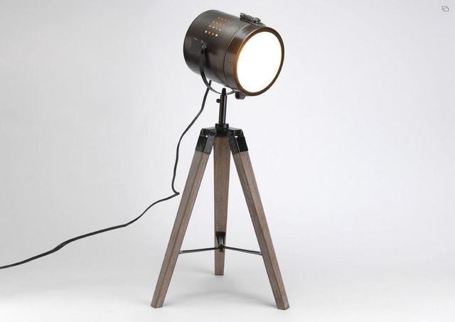 Lampe spot sur trépied en bois et métal 28x32x65,5  Lampe  ~ Lampe Sur Trepied En Bois