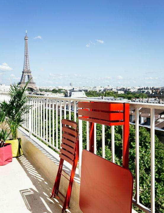 table balcon table de jardin rouge fermob decofinder. Black Bedroom Furniture Sets. Home Design Ideas