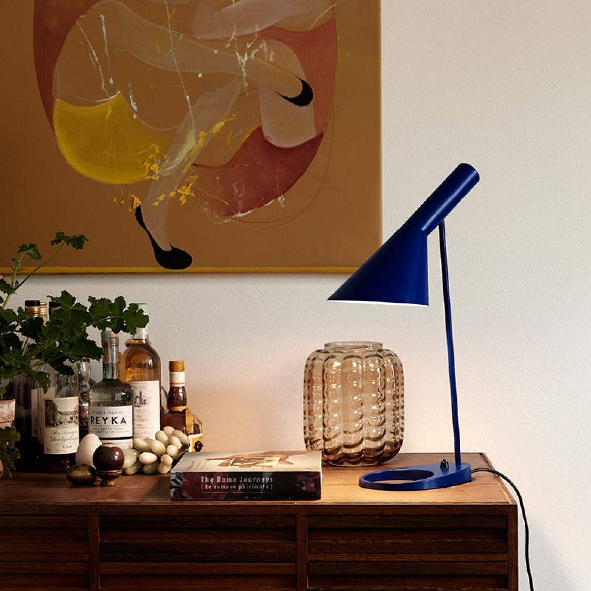 louis poulsen aj lampe poser design bleuelampe. Black Bedroom Furniture Sets. Home Design Ideas
