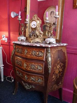 Art & Antiques - Commode-Art & Antiques-Commode Louis XV du XIXe