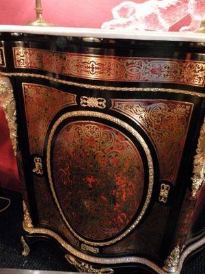 Art & Antiques - Meuble d'entre-deux à hauteur d'appui-Art & Antiques-Meuble d'appui 1 porte galbé en marqueterie Boull