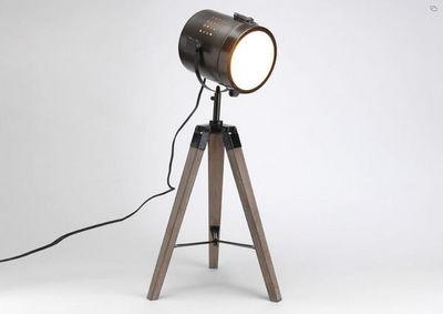 Kervroedan Jean Claude - Lampe à poser-Kervroedan Jean Claude-Lampe spot sur trépied en bois et métal 28x32x65,5