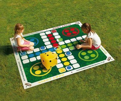 Traditional Garden Games - Puzzle-Traditional Garden Games-Jeu de Petits chevaux de jardin géant 200x200cm