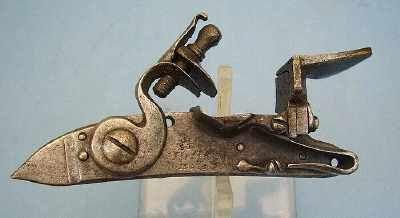 Pierre Rolly Armes Anciennes - Carabine et fusil-Pierre Rolly Armes Anciennes-platine de mousqueton des Gardes du corps du Roy, modèle 1734
