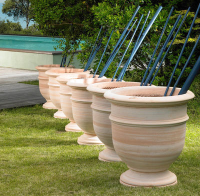 POTERIE GOICOECHEA - Vase grand format-POTERIE GOICOECHEA-Vase sur pied fabrication à la corde