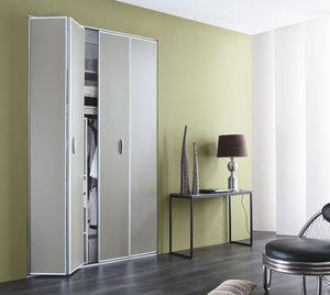 Folding cupboard