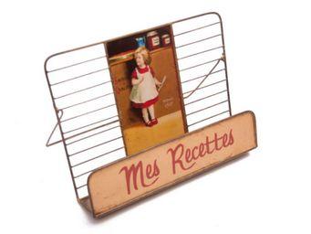 Antic Line Creations - lutrin petite fille en métal vieilli 32x17x24cm - Book Stand