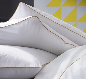 BLANC CERISE - simplicites gourmandes - Pillowcase