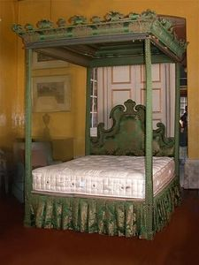 Sibyl Colefax & John Fowler Antiques -  - Double Canopy Bed