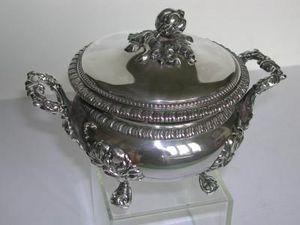 OLIVIER -  - Drageoir Plate