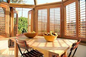 DECO SHUTTERS - volets intérieurs à persiennes orientables - Conservatory Blind