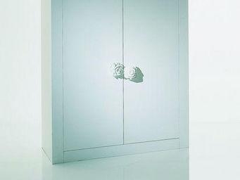 CYRUS COMPANY - nemui - Opening Closet