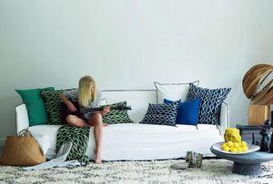 Maison De Vacances - vice versa - Rectangular Cushion