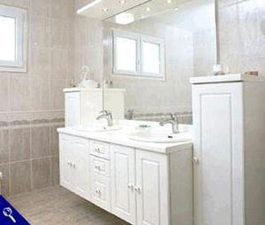 Charles Rema - islande - Bathroom