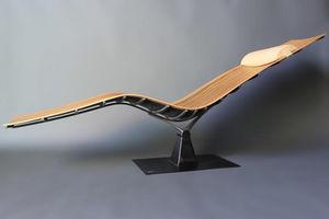 ATELIER ROUGE CERISE -  - Lounge Chair