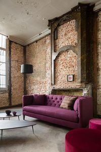 MARIE'S CORNER -  - Chesterfield Sofa