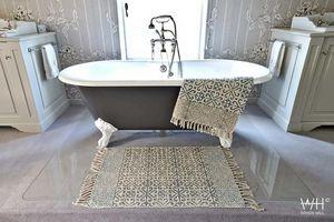 WINDY HILL -  - Bathmat