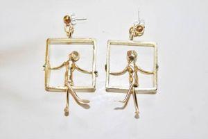 SZENDY GRINHILDA - personnages sur balançoires - Earring