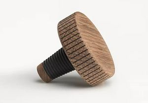THE OAK MEN -  - Decorative Bottle Stopper