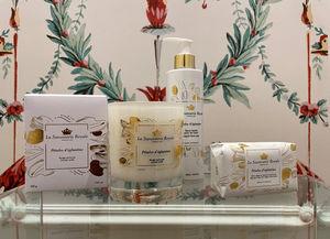 LA SAVONNERIE ROYALE - pétales d'eglantine---_ - Bathroom Soap