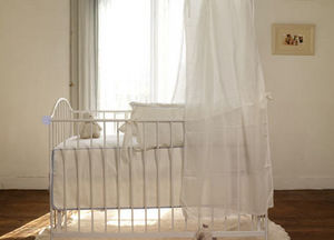 THE WHITE STORE -  - Baby Bed