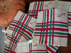 Maison du Lin et de la Dentelle (linge-ancien.com) -  - Tea Towel