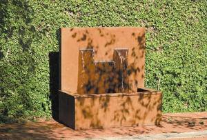 DULCE FORMA -  - Wall Fountain