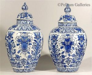 Pelham Galleries - London -  - Covered Vase