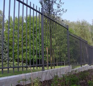 DE COLONNA -  - Fence With An Openwork Design