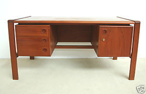 Galerie Atena -  - Desk